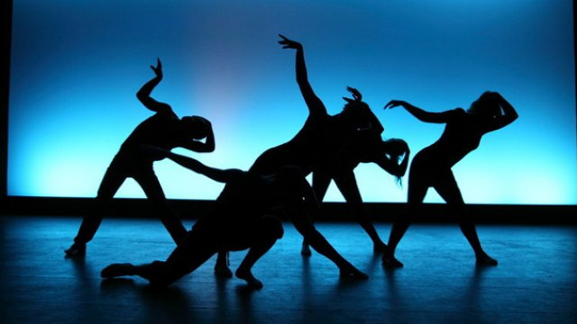 gsa-students-dancing-on-stage_0