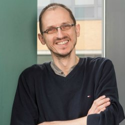 8ad8a4efb42 Prof Klaus Moessner