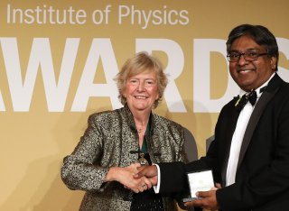 Professor Ravi Silva receives IoP Award