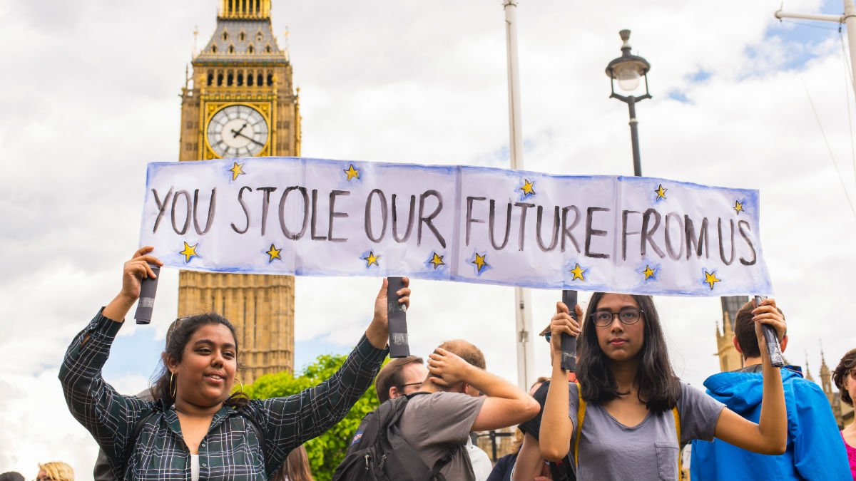 Students protest about education outside Big Ben in London