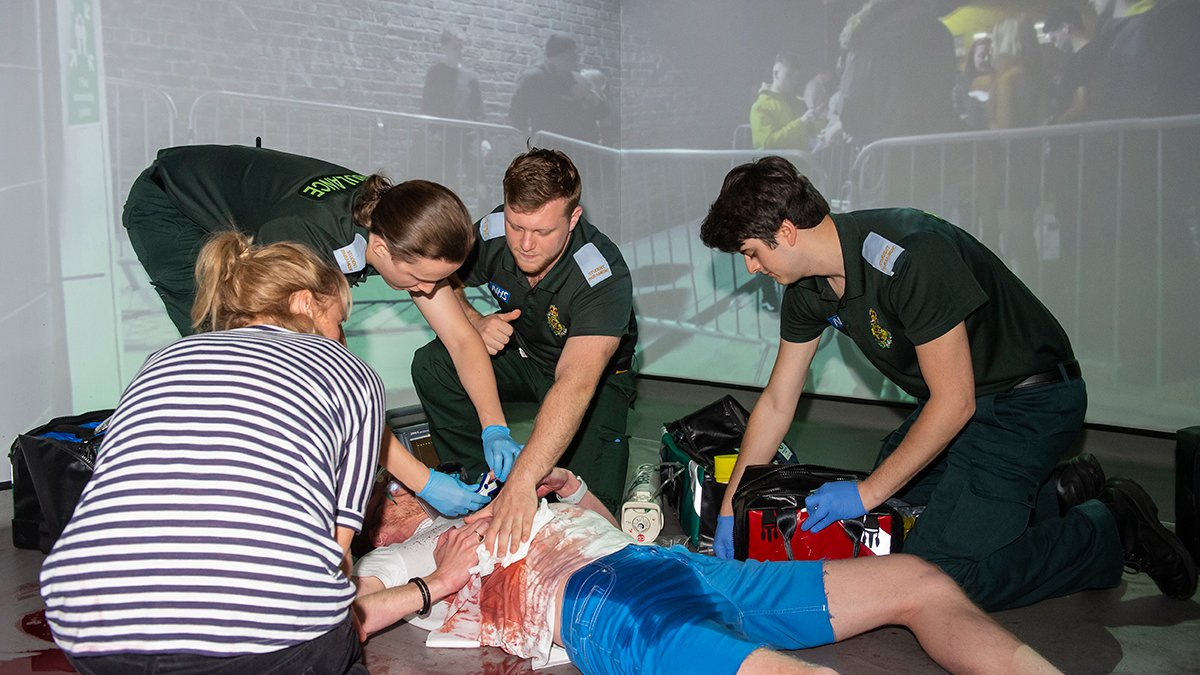 Paramedic sciences students in a disaster simulation