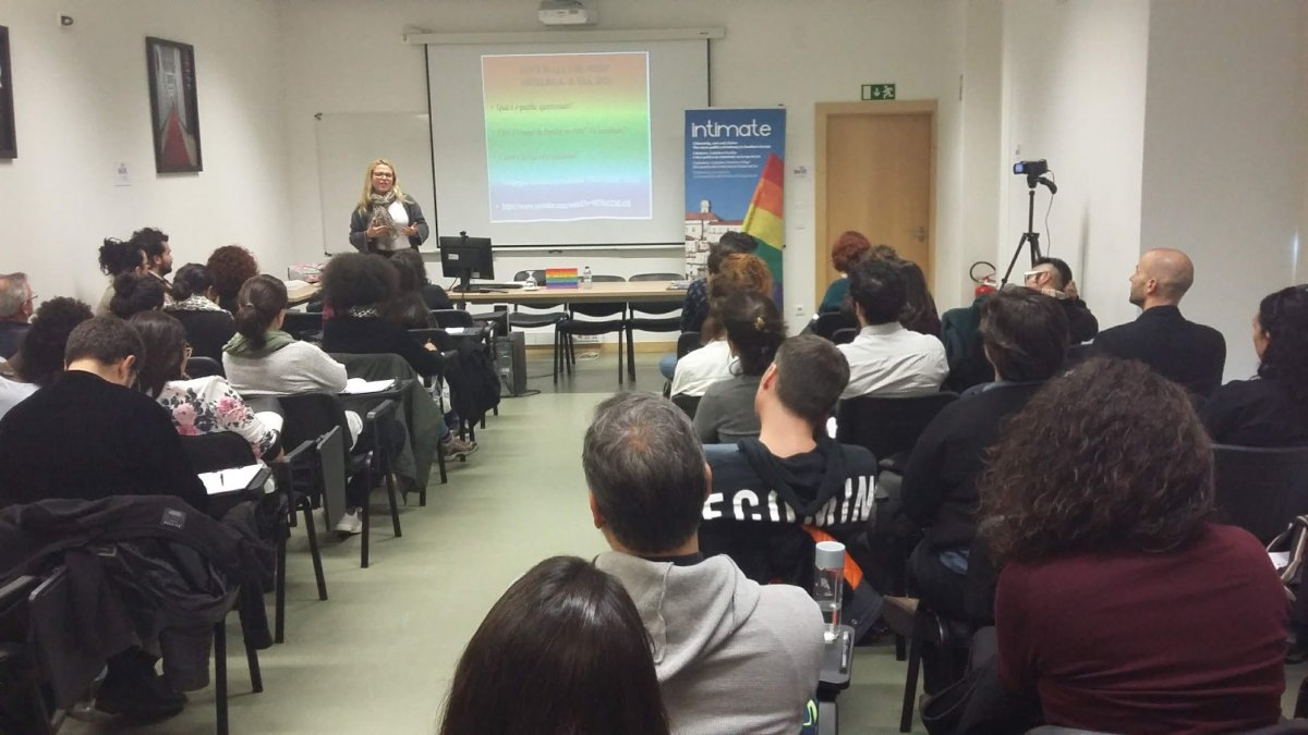 A picture of Yasmin Cessetari presenting at the seminar